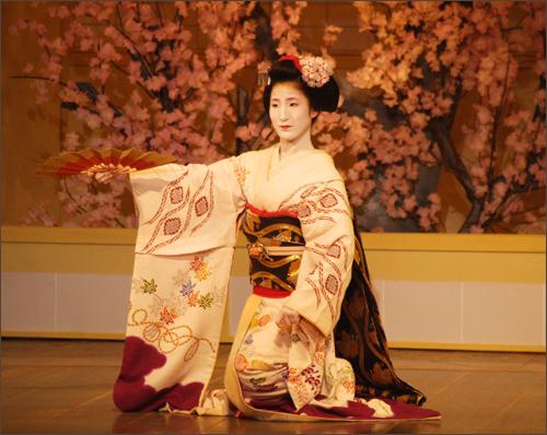 Kumi Odori originated from Japan