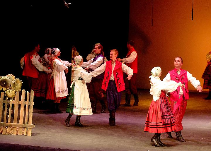 Oberek (Obertas, Ober) -O originated from Poland