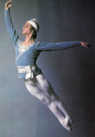 Fernando Bujones the magnificent dancer